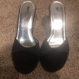 Backless shoes